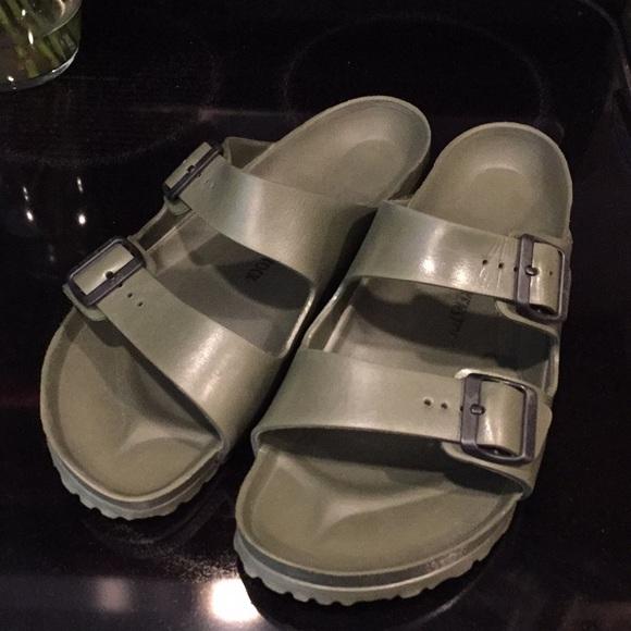 51024e58a7c Birkenstock Other - Birkenstock Men s Arizona Plastic Sandals
